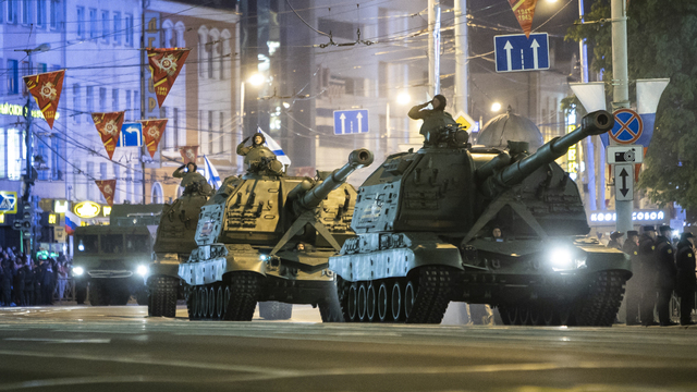 В Калининграде прошла ночная репетиция парада Победы (фоторепортаж)