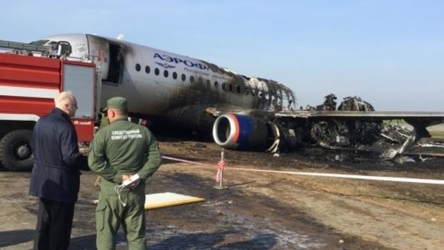Названы ошибки экипажа, которые привели к крушению Superjet в Шереметьево