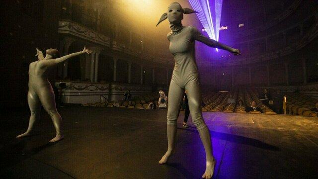 Любовные страсти, грим для зрителей и мумии с потолка: как прошла Ночь музеев в Калининградском драмтеатре