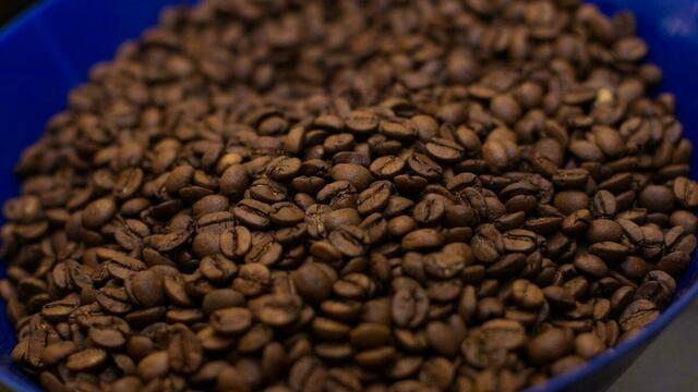 Аналитики: россияне стали меньше покупать кофе и шоколада