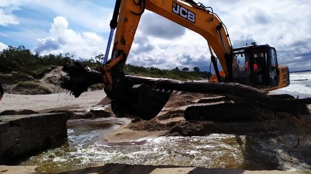 Под Зеленоградском очистили от песка устье реки Медвежьей, грозившей подтоплением двум посёлкам