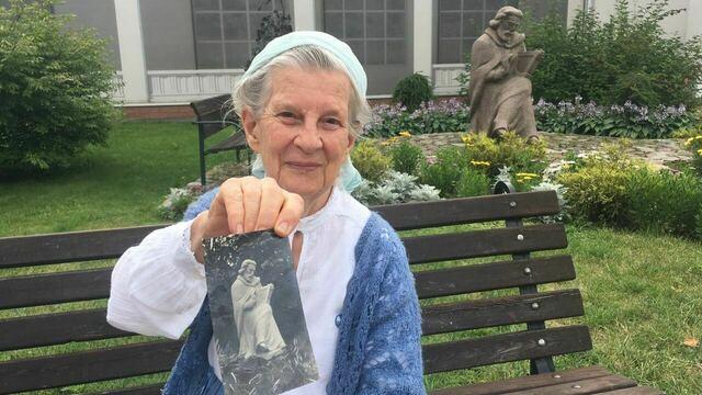 В Калининград приехала дочь известного кёнигсбергского скульптора (фото)