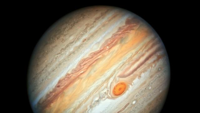 Астрономы заявили о столкновении Юпитера с