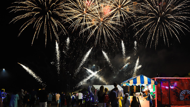 Под знаком Queen: как прошёл третий день Международного чемпионата фейерверков (фоторепортаж)