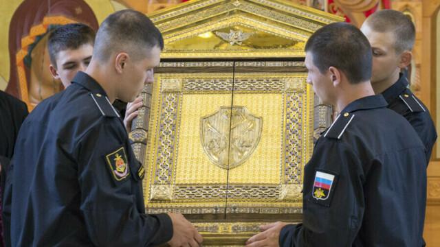 В Калининградскую область привезли главную икону ВМФ России