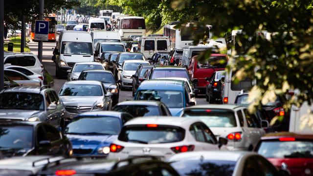 В Минпромторге назвали причину падения продаж новых автомобилей в России
