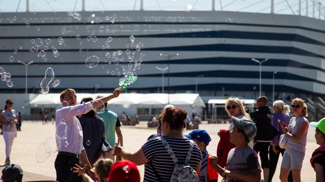 Городские праздники, концерт на воде и автографы от футболистов: 12 развлечений для первых выходных сентября