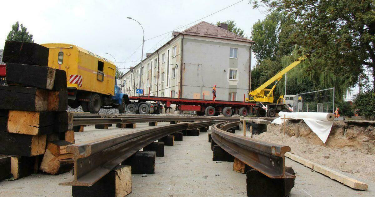 На ул. Киевской начали бетонировать основание под трамвайные пути (фото)
