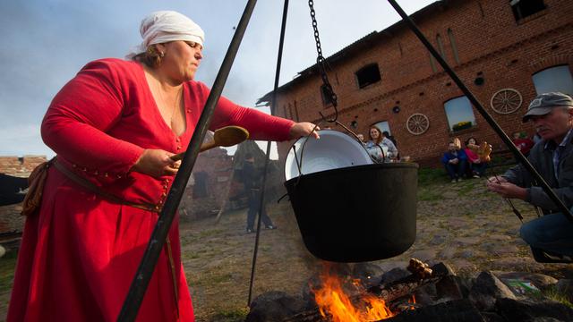 Средневековый пир, оркестр и дракон на реке: 30 идей для осенних выходных