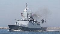Экипажи вертолётов Балтфлота отработали посадку на палубы кораблей
