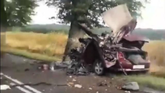 Под Янтарным разбились насмерть водитель и пассажир  Dodge (видео с места аварии)