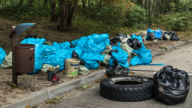 На берегу в Зеленоградске собрали 103 мешка мусора общим весом почти 900 кг