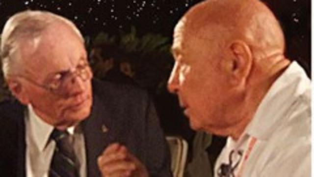 Гитарист Queen опубликовал редкие снимки космонавта Леонова с Нилом Армстронгом