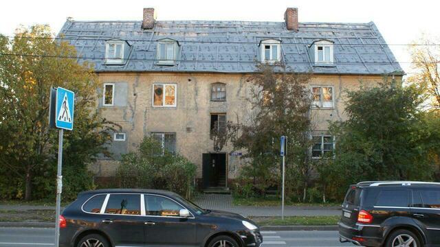 Власти решили расселить жильцов аварийного дома №3 на ул. Островского на три года раньше срока
