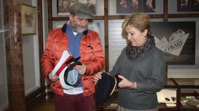 Музей Мирового океана выставит коллекцию фуражек Гришковца