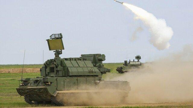В Калининградскую область привезли новые зенитно-ракетные комплексы