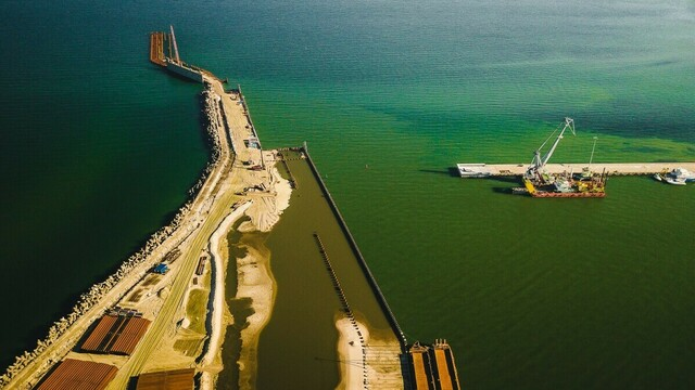 Проигранные суды и невыполненные контракты: что известно о бывшем подрядчике порта в Пионерском