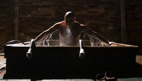 Крещенские купания в Свято-Никольском храме Калининграда (фоторепортаж)