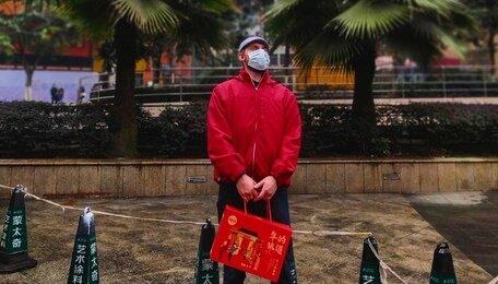 """""""Надел маску из солидарности"""": работающий в Китае калининградец — об эпидемии коронавируса"""