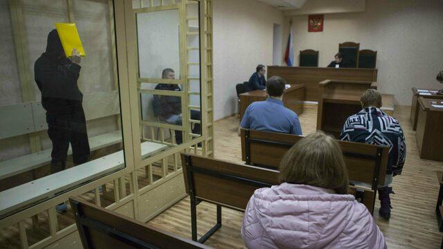 Дело о драке на ул. Маточкина: гражданская жена погибшего требует с обвиняемого 2 млн рублей