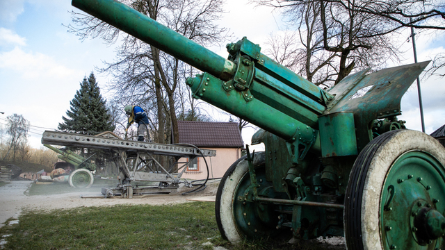 Первая за 46 лет реконструкция орудий в Форту №5