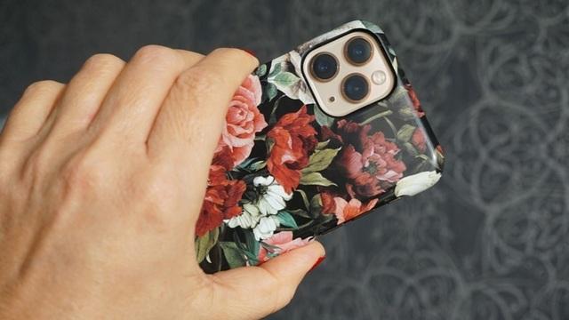 Эксперты рассказали об опасном для человека излучении iPhone 11 Pro