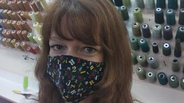 Калининградские портные начали шить многоразовые медицинские маски