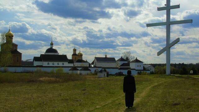 В Свято-Елисаветинском женском монастыре снимают клип на песню послушника