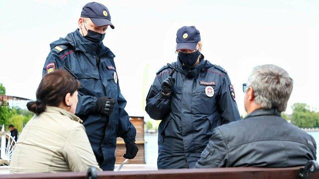 Как полицейские в Калининграде ловили нарушителей масочного режима