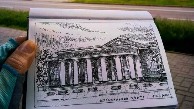 Музыкальный театр и особняк на Кутузова: военный пенсионер рисует скетчи с видами Калининграда