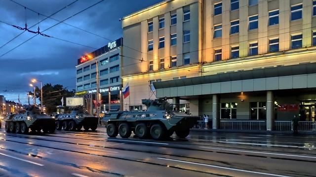 В Калининграде прошла первая ночная репетиция парада Победы (фото)