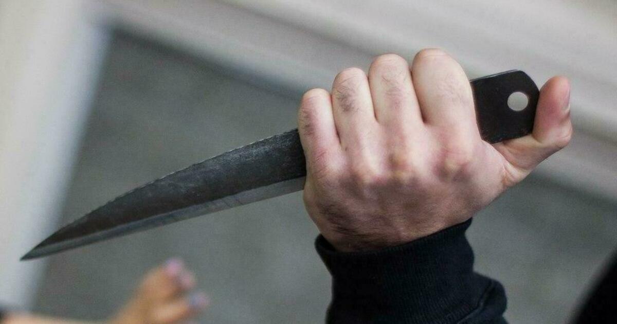 В БСМП доставили калининградца с ножом в голове, мужчина умер через четыре дня
