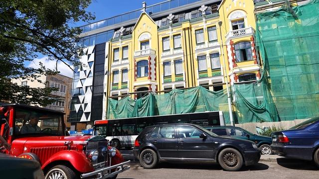 За и против: как оценили архитекторы новый фасад Кройц-аптеки
