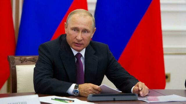 Баламут, который сам мог принять яд: Путин в беседе с Макроном высказался о ситуации с Навальным