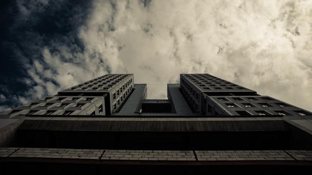 Гламурное трио и городские позорища: десять известных зданий, которые снесли за десятилетия до Дома Советов