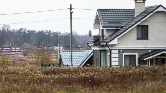 Снесут ли дома и сколько участков пострадает: пять вопросов о строительстве железной дороги в Холмогоровке