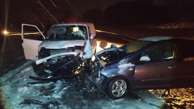 В Калининградской области из-за снега за сутки произошло 23 ДТП, шесть из них — за утро (фото, видео)