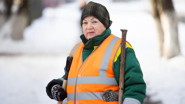 Любовь, которая делает Калининград чище: правила жизни 73-летнего дворника