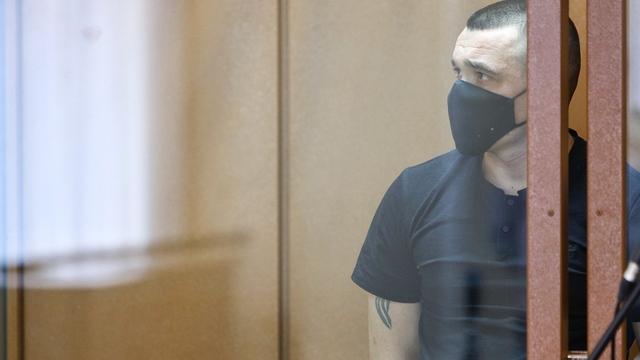 Фото дня: подсудимый Вадим Кулик, насмерть сбивший в Пионерском женщину с коляской, слушает приговор