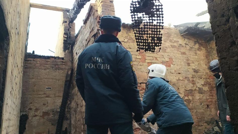 Сгоревший дом Юлии в Черняховске | Фото: Александр Пищик
