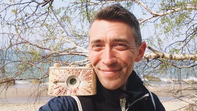 Из спичечного коробка и мыльницы: калининградец мастерит фотокамеры и продаёт их по всему миру