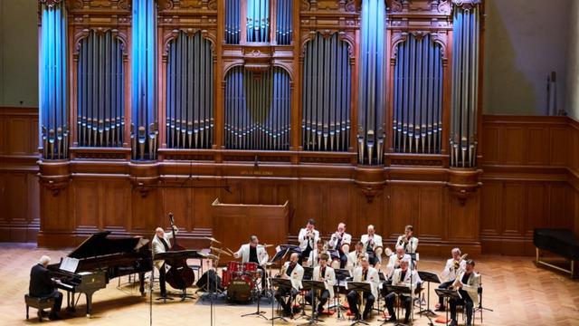 В Светлогорске мелодии военных лет исполнит старейший в мире джаз-бэнд