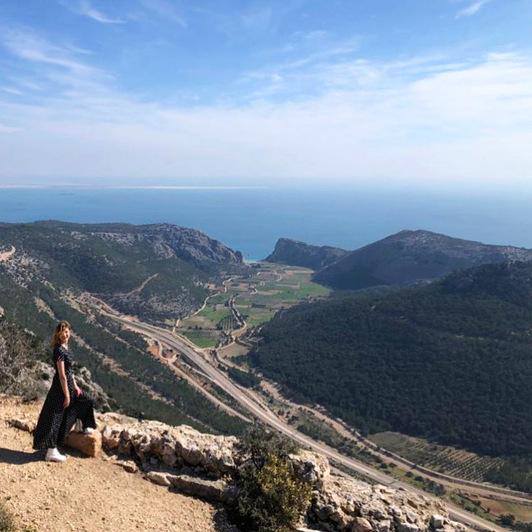 Вид на долину от башни Tokmar Kalesi   Фото: личный архив