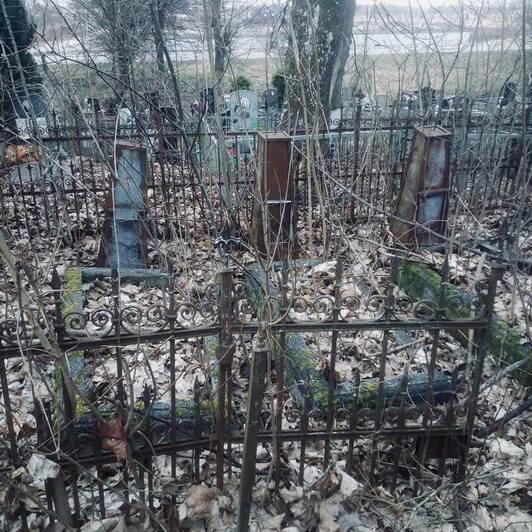 Могила экипажа на нивенском кладбище   Фото: Алексей Татаренков
