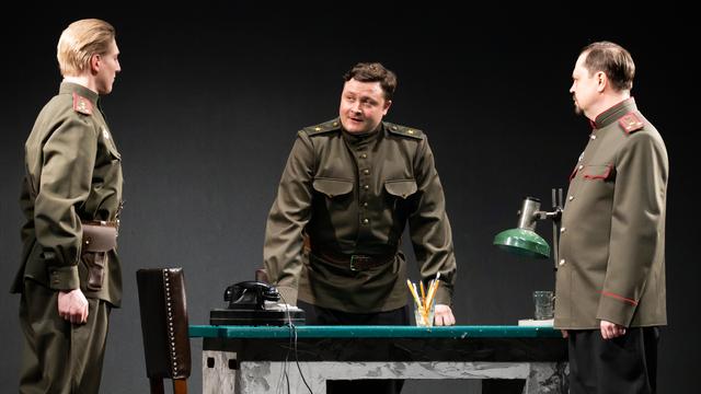 Эксперимент не удался: в Калининградском драмтеатре модернизировали спектакль