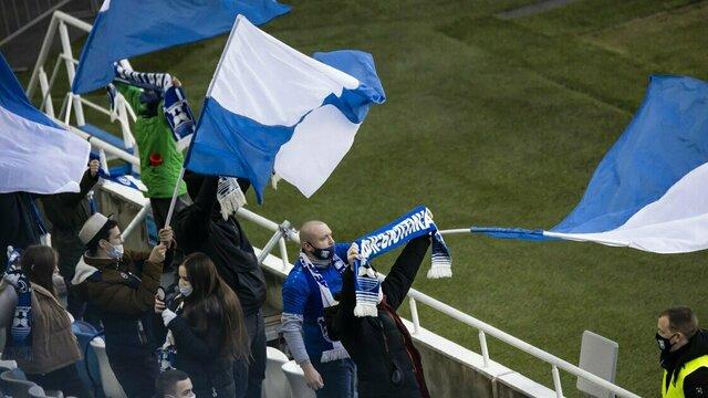Две штуки в одни руки: в Омске из-за высокого спроса ограничили продажу билетов на матч «Балтика» — «Иртыш»