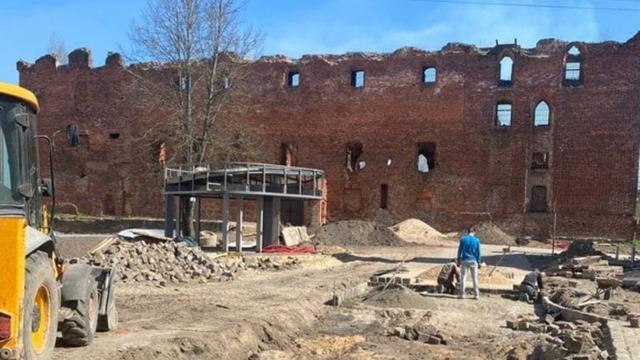 Прокуратура: работы у замка Рагнит могут привести к уничтожению памятника и культурного слоя