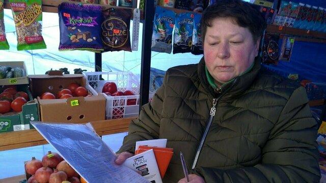 Хозяйка овощной палатки на Северном вокзале не свернёт торговлю, несмотря на ультиматум властей