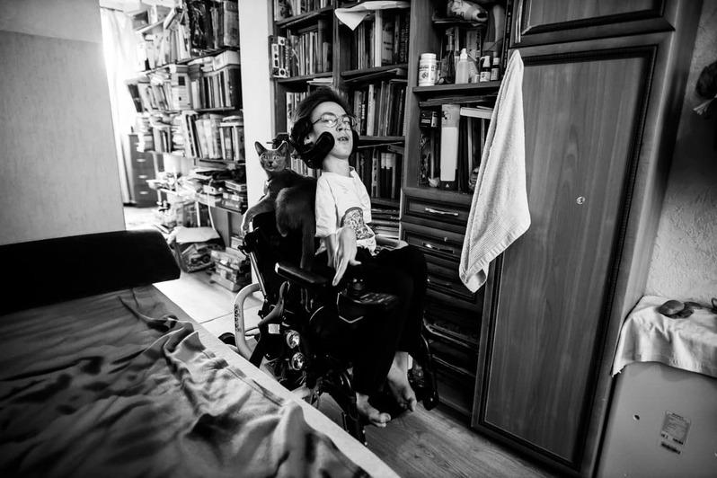 Правила не позволяют: в Калининградской области лежачий мальчик-инвалид не может сдать ОГЭ - Новости Калининграда | Фото: Александр Подгорчук / «Клопс»