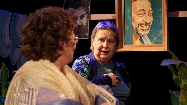 В Калининграде покажут комедийный спектакль «Всеобъемлюще» о двух враждующих актрисах